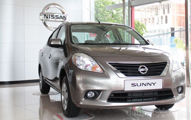 Nissan Sunny màu Nâu đồng