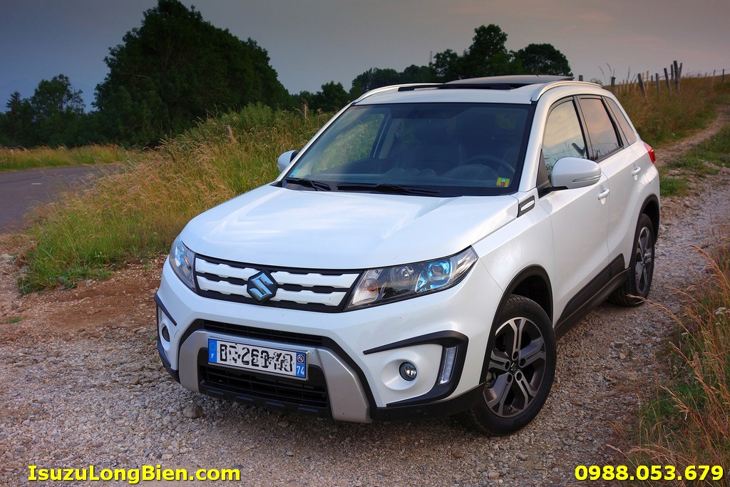 Xe Suzuki Vitara mau Trang