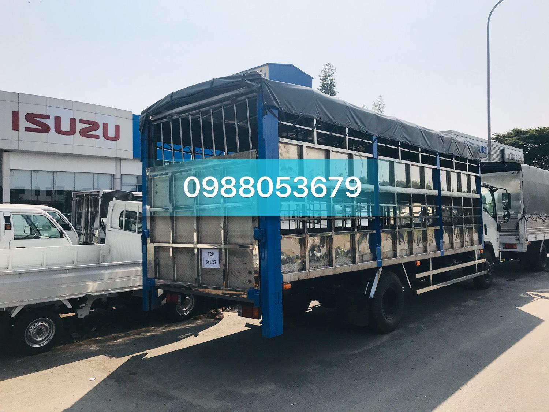 xe tai isuzu 5 tan thung cho lon gia suc euro 4