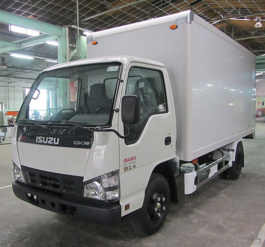 Chương trình khuyến mãi trước bạ xe tải isuzu 2 tấn thùng kín trong tháng 10, xe có sẵn