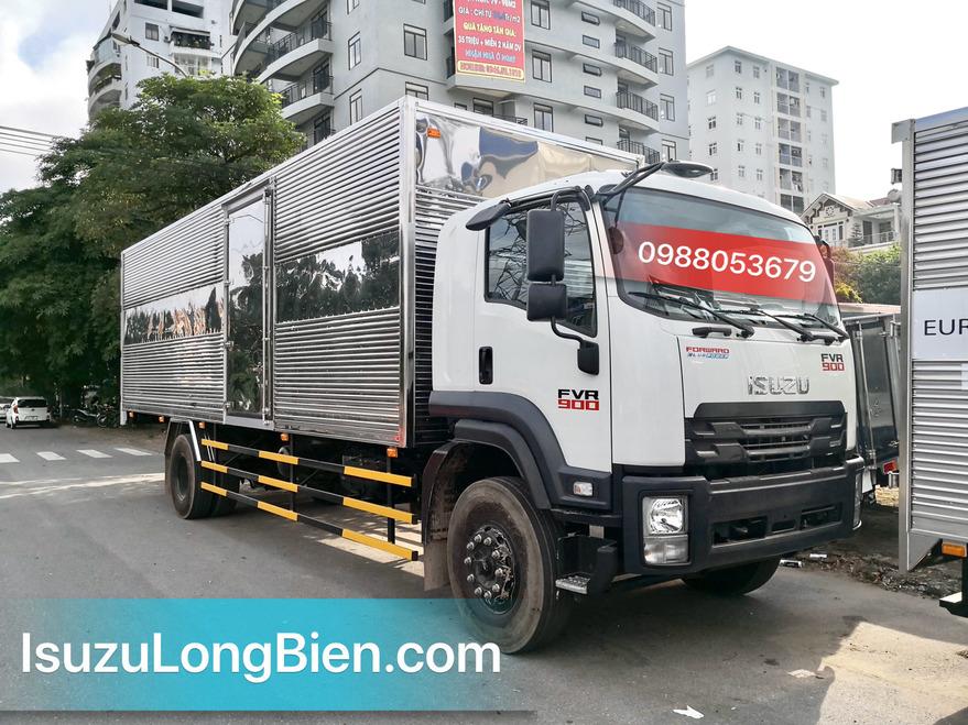 Xe tải ISUZU 8 TẤN FVR 900 Thùng kín 01 cửa hông dài 8m1 FVR34SE4
