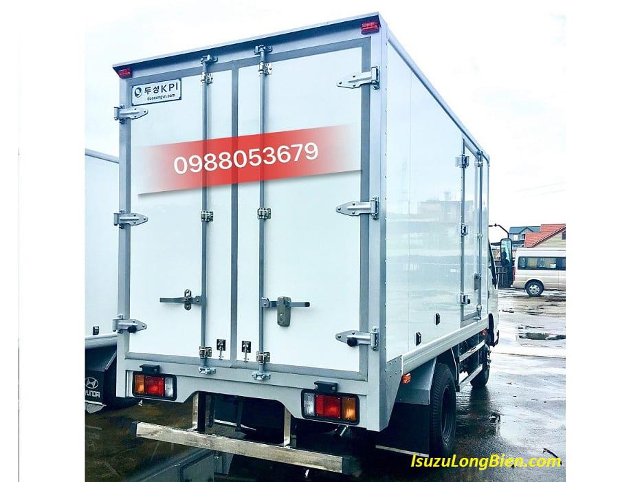 xe tai isuzu qkr 230 qkr77fe4 thung dong lanh tai trong 800kg